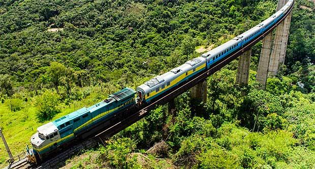 Viagem divertida pela Estrada de Ferro Vitória a Minas