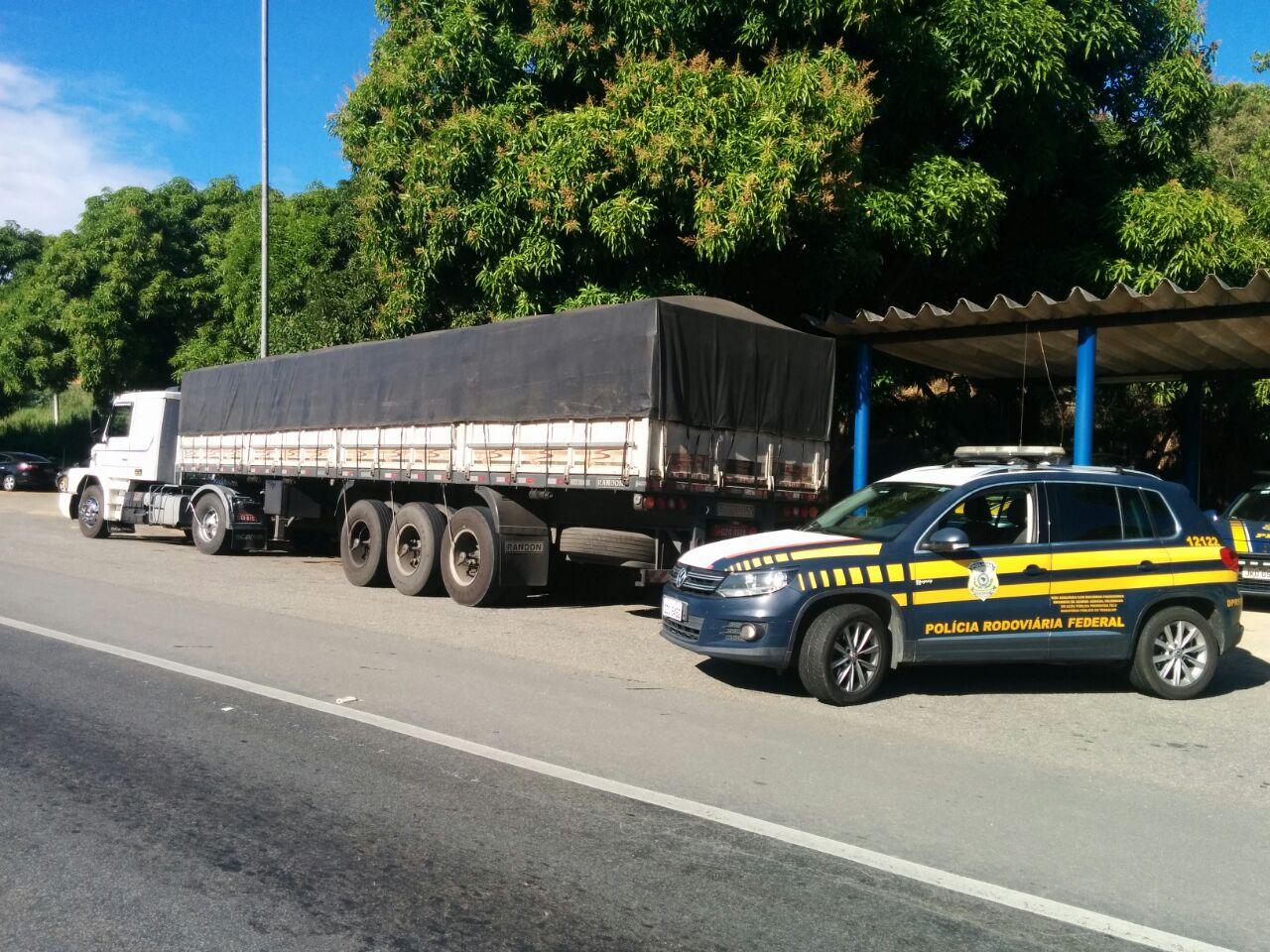 PRF recupera carga e veículos avaliados em R$ 260 mil
