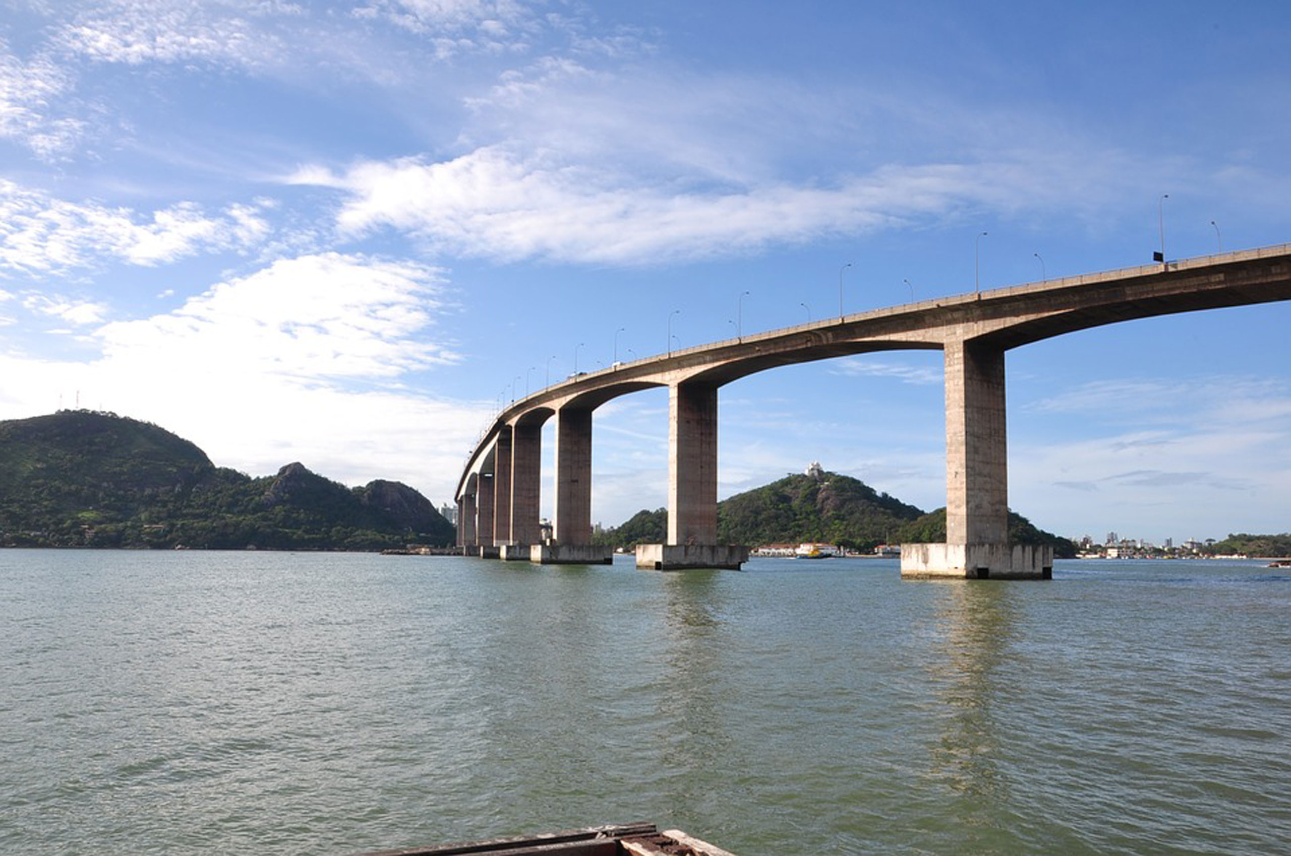 Estudo aponta placas de vidro como melhor alternativa de segurança na Terceira Ponte