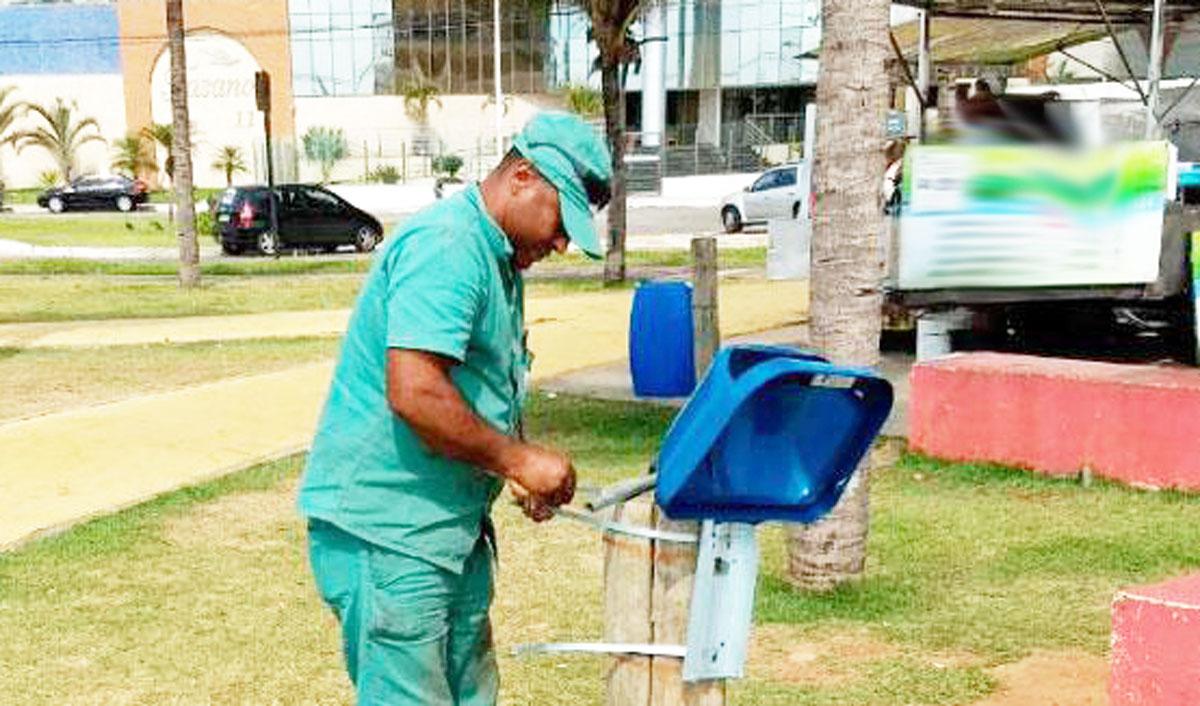 Vila Velha começa a instalar papeleiras na orla