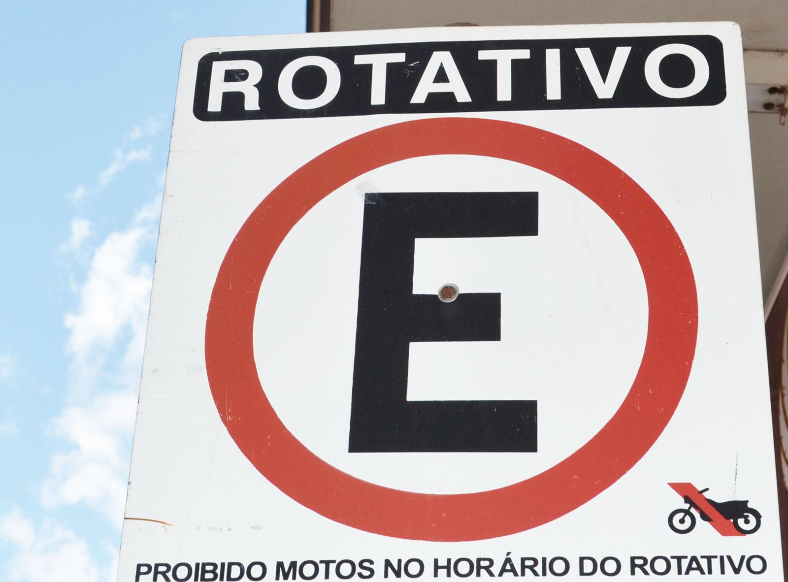 Serra muda trânsito em Laranjeiras