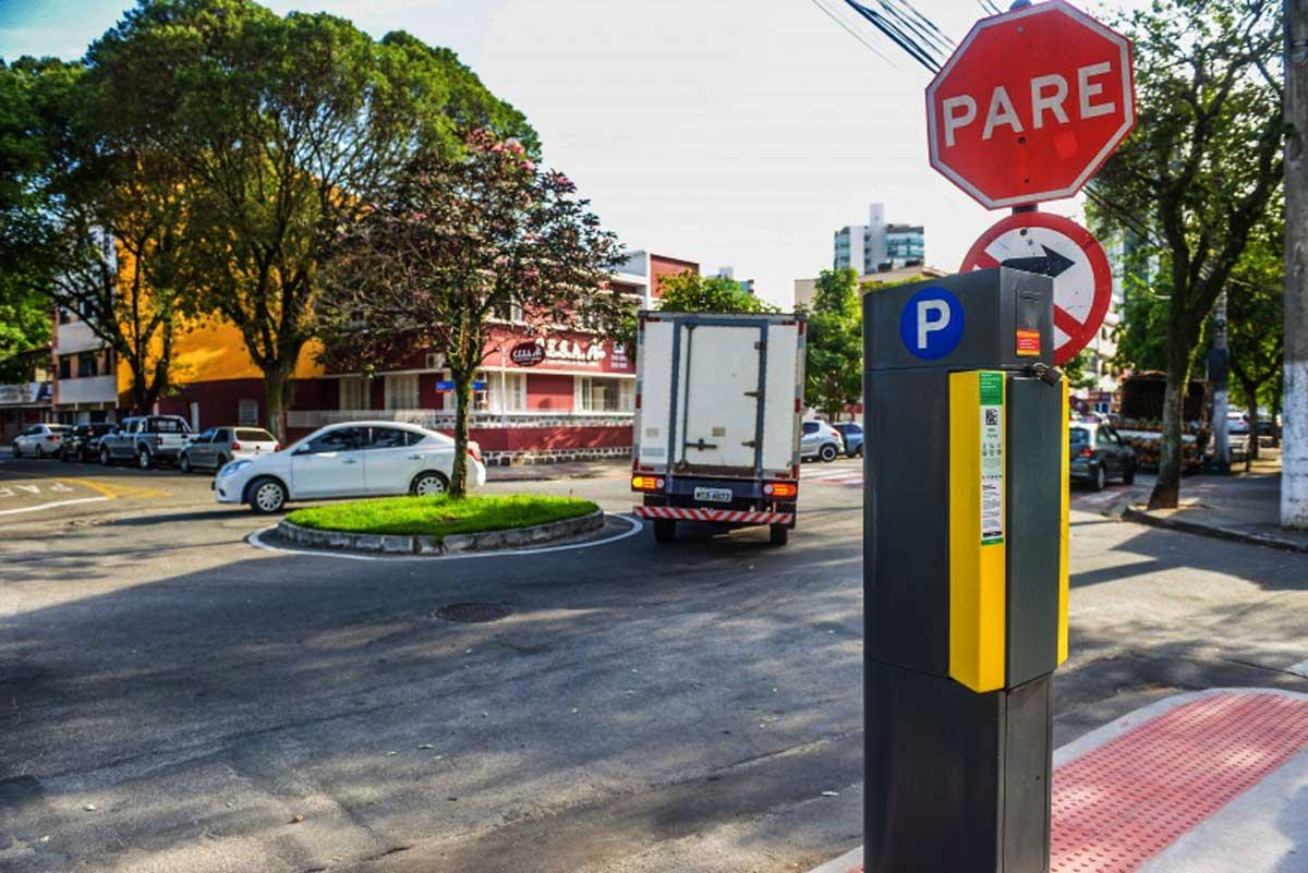 Vitória: estacionamento rotativo chega à Praia do Suá