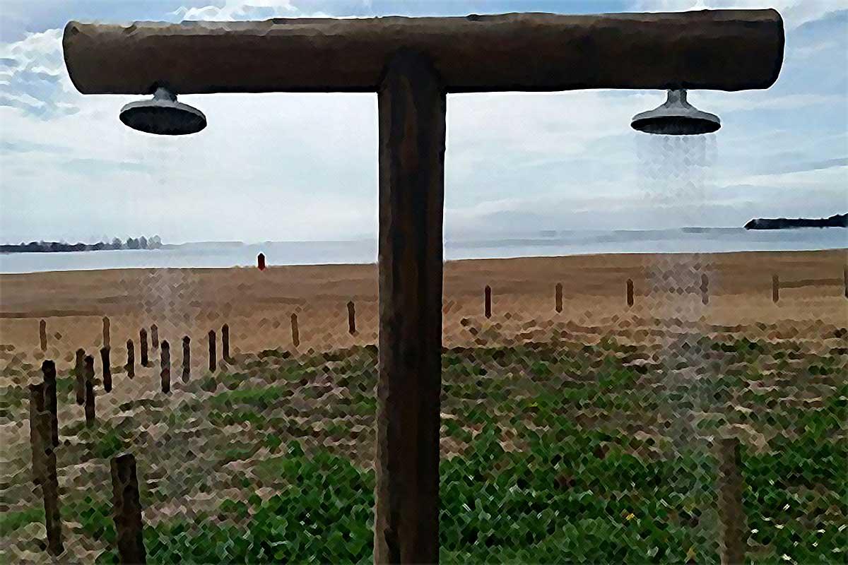 Sete chuveiros das praias da capital foram danificados no fim de semana